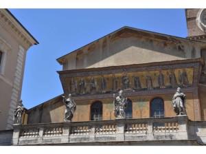 6373977-10_Santa_Maria_in_Trasteve_04_Facade_Rome
