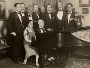 Ravel_au_piano